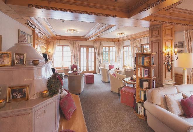 Pfefferkorn's Hotel - Lech am Arlberg - Oleskelutila