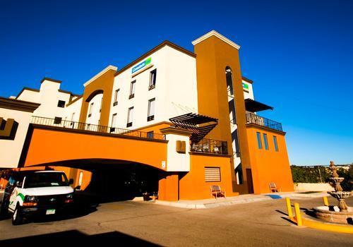Hotel Consulado Inn $50 ($̶5̶0̶)  Ciudad Juárez Hotel Deals