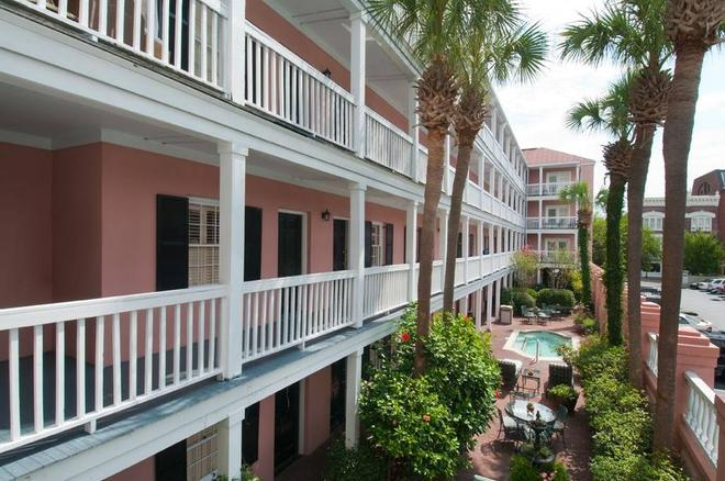 The Meeting Street Inn - Charleston - Building