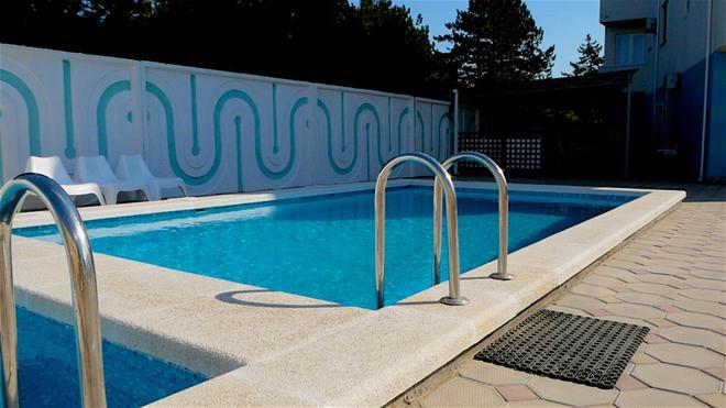 Robinson - Anapa - Pool
