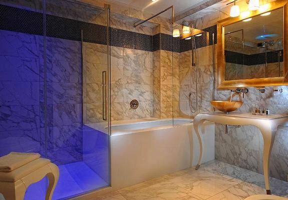 Carnival Palace Hotel - Venice - Bathroom