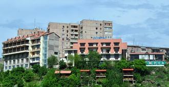 Olympia Hotel - Ereván - Edificio
