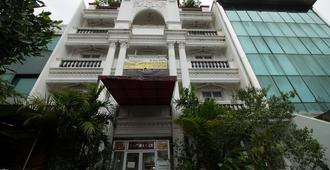 貢都爾拉亞塞蒂亞布迪瑞德多茲酒店 - 雅加達 - 南雅加達 - 建築