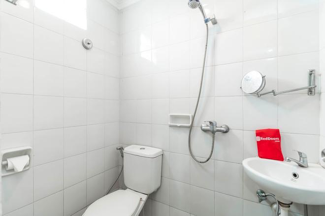 卡雷特塞蒂亞布迪瑞德多茲酒店 - 雅加達 - 南雅加達 - 浴室
