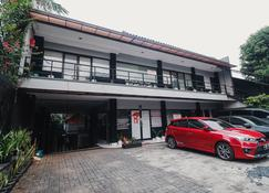 RedDoorz Plus Near Rs Fatmawati 2 - South Jakarta - Edificio
