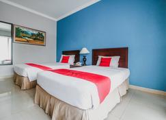 RedDoorz Premium @ Bukit Damai Indah - Balikpapan - Κρεβατοκάμαρα