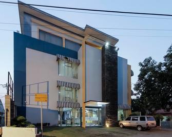 RedDoorz Plus @ Tuparev Cirebon - Cirebon - Edificio