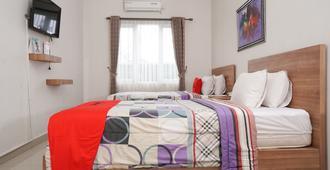 RedDoorz near Gedung Sate 2 - Bandung - Bedroom