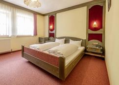 Gasthof Drei Linden - Obertrubach - Bedroom