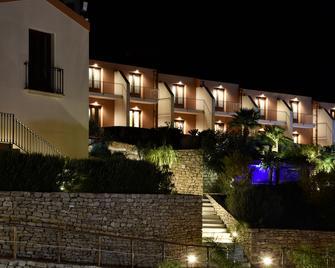 Parco Degli Aromi Resort & Spa - Valderice - Gebouw