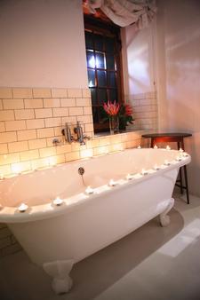 1692 De Kleijne Bos Country House - Paarl - Bathroom