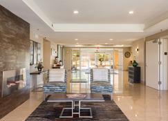 Baymont by Wyndham Albuquerque Airport - Αλμπουκέρκι - Σαλόνι ξενοδοχείου