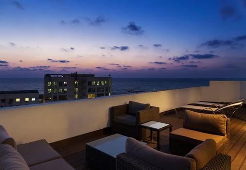 Port And Blue Tlv Boutique Suites Hotel - Tel Aviv - Parveke