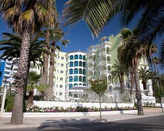 Smeraldo Suites & Spa - San Benedetto del Tronto - Building