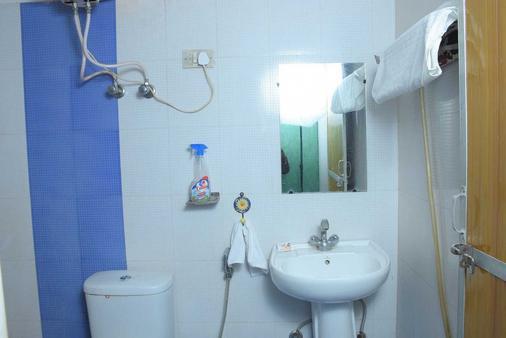 Jaypore House (Ramsingh Bed & Breakfast) - New Delhi - Bathroom