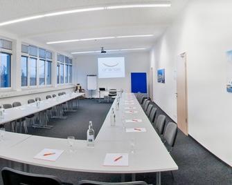 Orange Hotel und Apartments - Neu-Ulm - Meetingraum