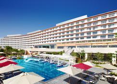 沖繩中頭郡希爾頓度假酒店 - 北谷町 - 建築