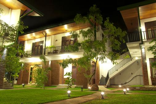 Gamodh Citadel Resort - Anuradhapura - Building