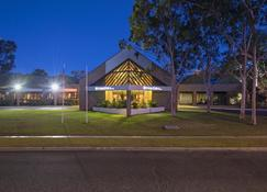 DoubleTree by Hilton Alice Springs - Alice Springs - Building