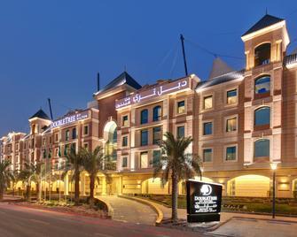 DoubleTree by Hilton Hotel Riyadh - Al Muroj Business Gate - Riad - Edificio