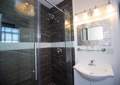 Peter Shields Inn & Restaurant - Cape May - Bathroom