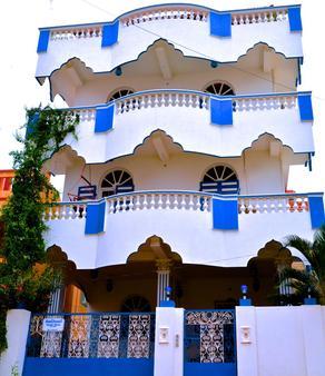 Holi-Wood Guesthouse - Puducherry - Gebäude