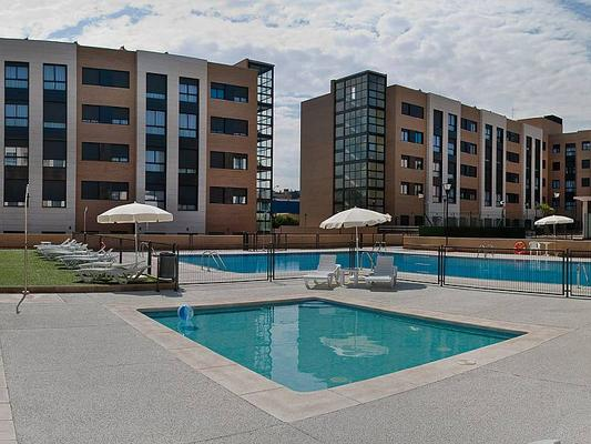 Compostela Suites Apartments - Madrid - Pool