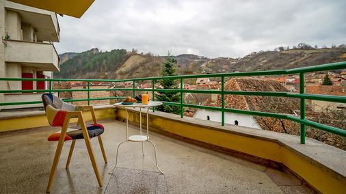 Kismet Dao Hostel - Braşov - Parveke