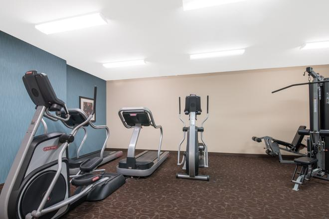 Hawthorn Suites by Wyndham Williston - Williston - Gym