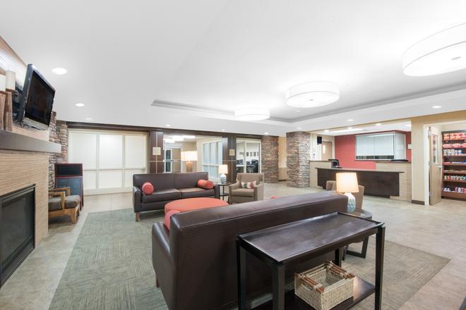 Hawthorn Suites by Wyndham Williston - Williston - Σαλόνι ξενοδοχείου