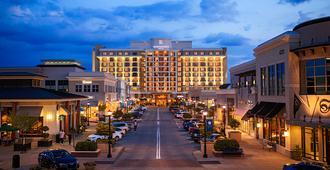 Renaissance Raleigh North Hills Hotel - ראליי - בניין