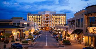 Renaissance Raleigh North Hills Hotel - Raleigh