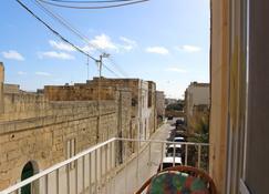 All Nations Holiday Home - Għajnsielem - Balkon