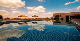 The Twizt - Lifestyle Hostel - Siem Reap - Pool