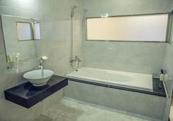 Incheon Airport Air Relax Hotel - Incheon - Bathroom