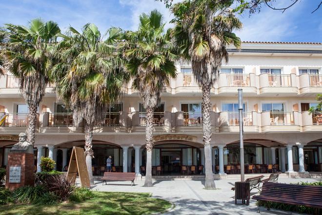 Ibersol Hotel Sorra d'Or - Malgrat de Mar - Toà nhà