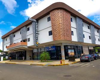 Hotel Puerta Del Sol - David - Gebouw