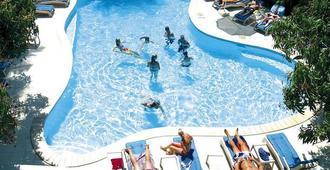 Nadi Bay Resort Hotel - Nadi - Piscina