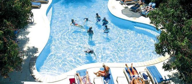 納迪灣度假酒店 - 楠迪 - 南迪 - 游泳池