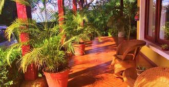 Lolita's Bed And Breakfast - Managua - Patio