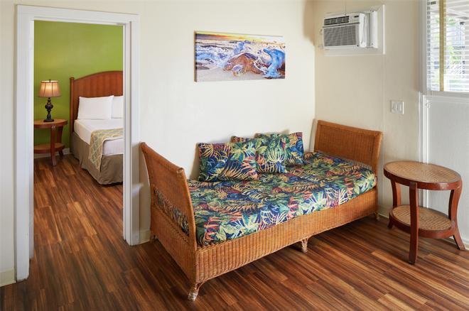 Pacific Marina Inn - Honolulu - Living room