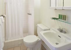 Pacific Marina Inn - Honolulu - Phòng tắm