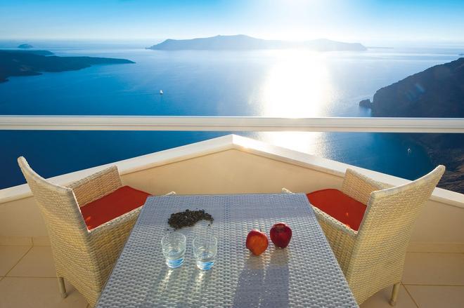 艾里諾恩西婭精品酒店 - 聖托里尼 - 菲羅斯特法尼 - 陽台