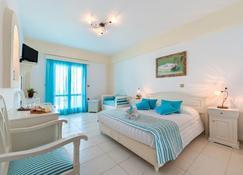 Ellinon Thea Boutique Hotel - Firostefani - Bedroom