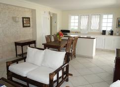 Inchcape Seaside Villas - Silver Sands - Living room