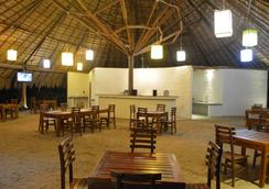 Giman Free Beach Resort - Kalkudah - Restaurant