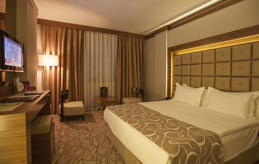 Grand Hotel Gaziantep - Gaziantep - Phòng ngủ
