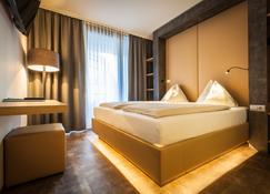Hotel Rocket Rooms Velden - Velden - Schlafzimmer