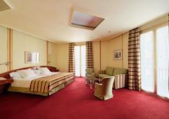 Hotel Colón Barcelona - Barcelona - Makuuhuone
