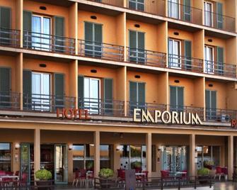 Hotel Emporium - Castelló d'Empúries - Außenansicht